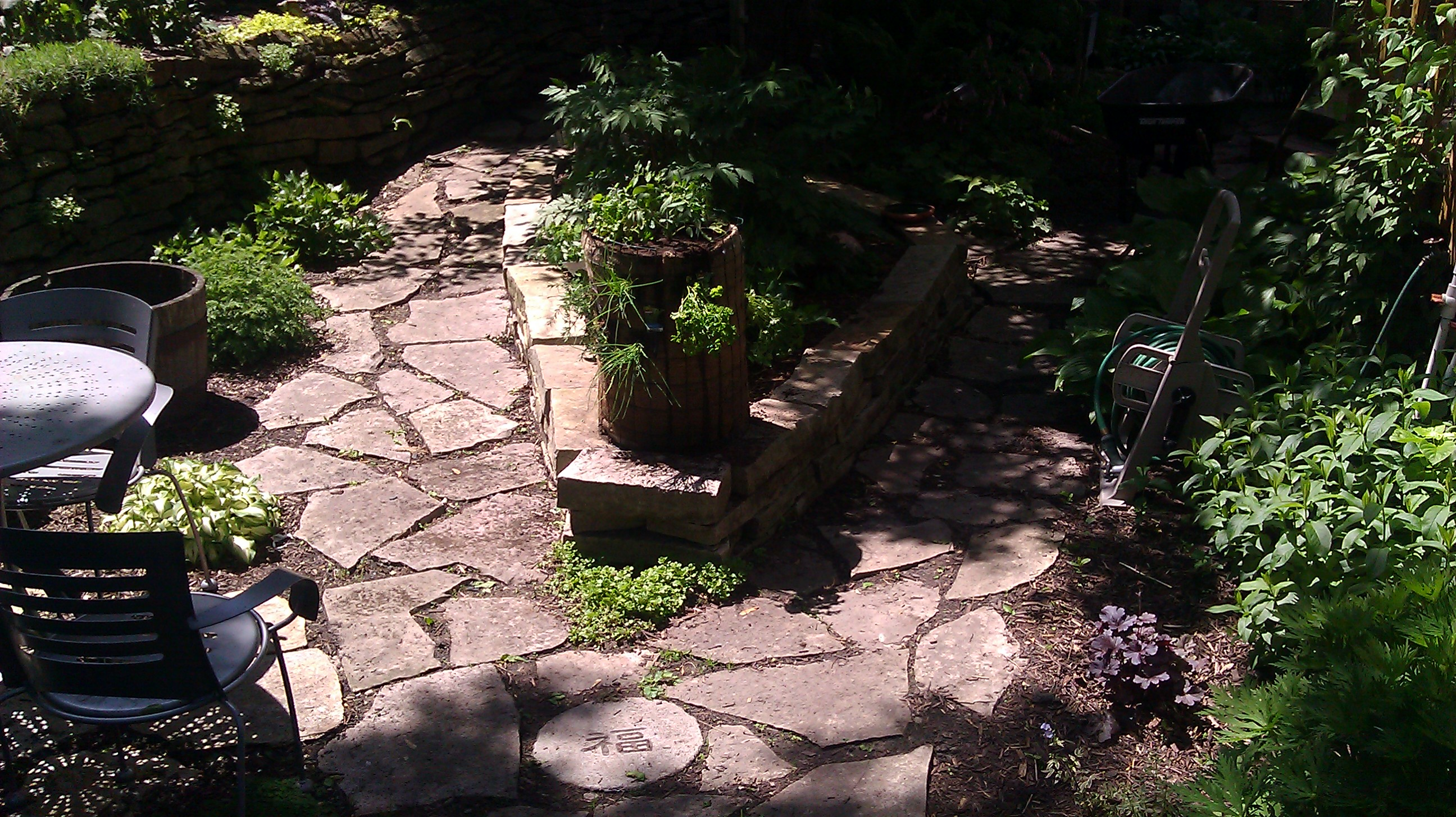 Carole hyder feng shui in the outer limits flower flow for Outer garden